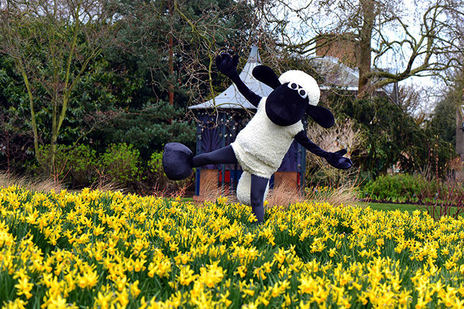 Shaun the sheep Kew Gardens