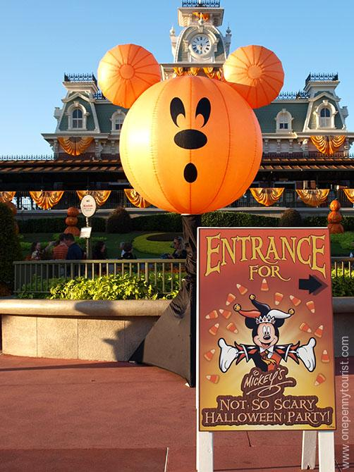 Magic Kingdom welcomes people to it's Halloween Party