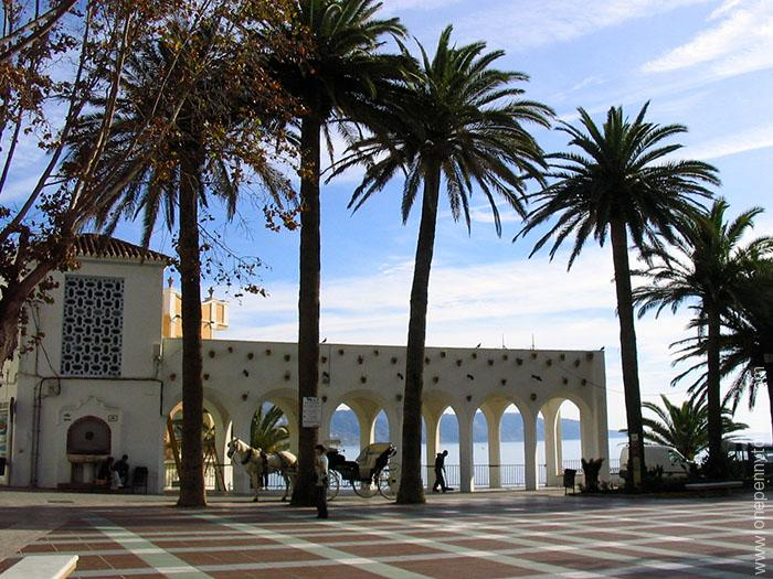The Promenade at Nerja, Spain. OnePennytourist.com