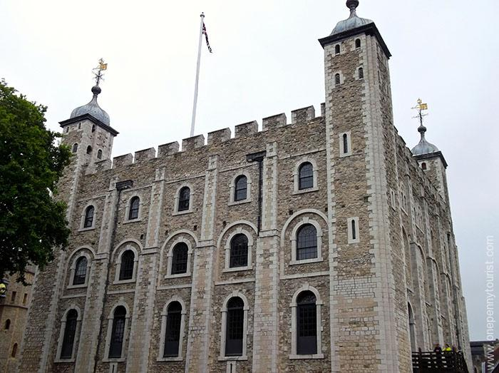 The White Tower is the main central Keep at the Tower of London and is it's oldest building onepennytourist.com