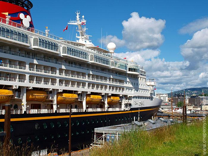 Oslo in 8 hours - Disney Magic docked in Oslo, Norway. OnePennyTourist.com