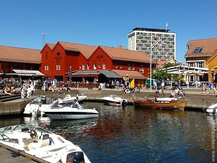Fiskebasaren Harbour Boats in Kristiansand Norway. OnePennyTourist.com
